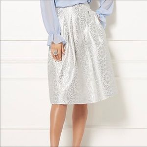 EVA MENDES for NYC Silver / White Jacquard Skirt